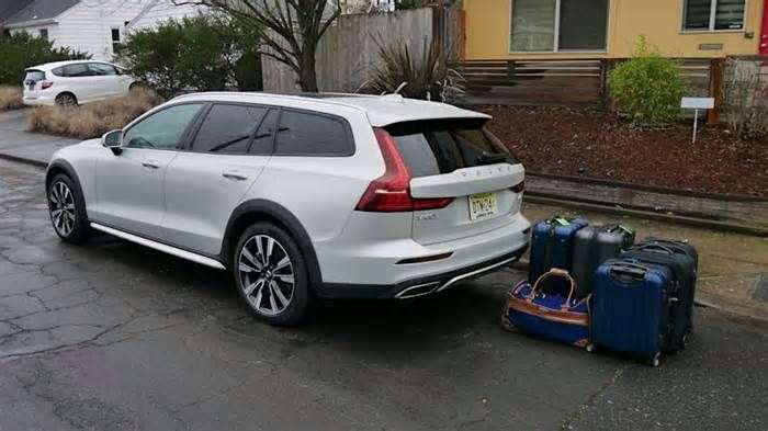 2020 Volvo V60 Cross Country Luggage Test Why Yes A Wagon Can Hold More In 2020 Volvo V60 Volvo Cross Country