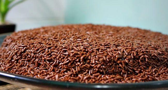 Bolo de brigadeiro fácil: receita sem farinha de trigo