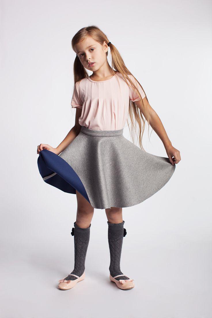 Spódniczka dziewczęca na bazie koła. https://kids.showroom.pl/marki/137,dodo