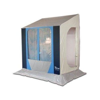 Questa è una idea strepitosa per i camperisti  Tenda Preingresso Invernale Camper con Portasci Polar Bertoni, una soluzione intelligente per accedere al camper in una zona calda e organizzata