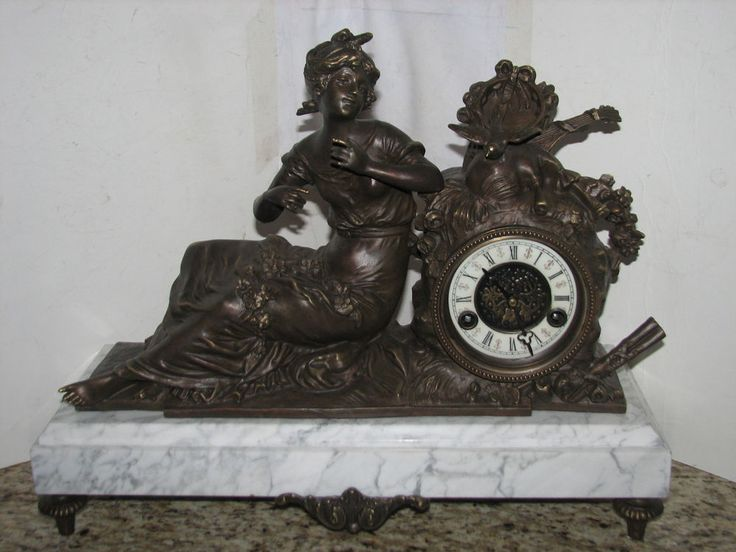 Antique reproduction bronze & marble shelf/mantel clock with chimes