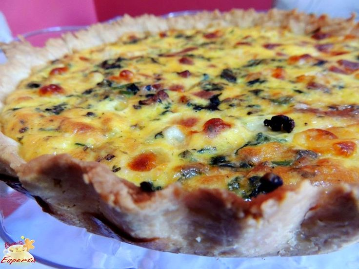 Bom dia!!! Hoje pulamos da cama com receita nova e deliciosa, uma QUICHE DE ESPINAFRE, BACON E MUSSARELA. Linda e deliciosa para servir no lanche da tarde. :D :D :D  Vem conferir: http://www.receitaesperta.com.br/2014/10/quiche-de-espinafre-bacon-e-mussarela.html