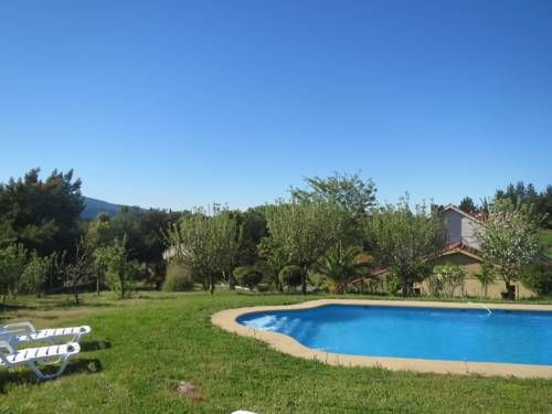 Cabañas El Mediteraneo Quillón Cabañas El Mediteraneo offers accommodation in Quillón. Chillán is 39 km away. Free private parking is available on site.  The accommodation is equipped with a seating area. Some units include a dining area and/or terrace.