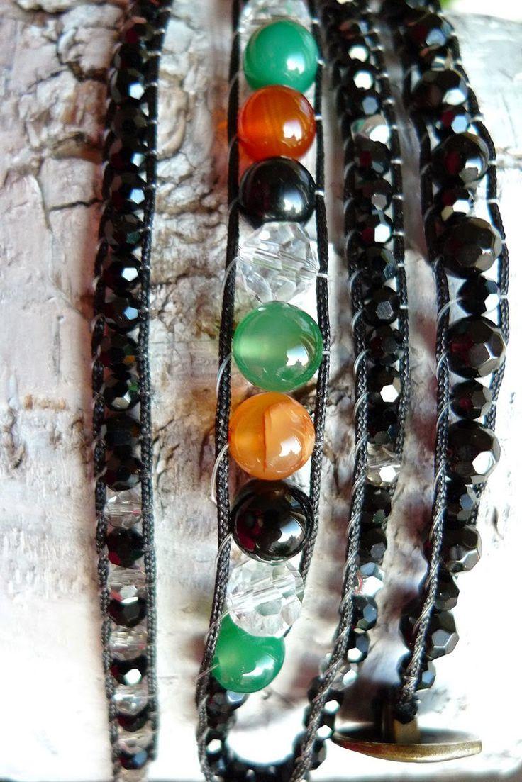 ByKibh - handgjorda smycken: Agater i olika färger med svarta kristaller. Agates and crystals, see moore at http://handmadebykib.blogspot.se/