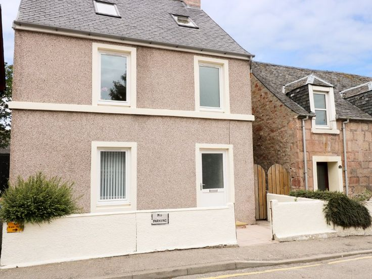 4 Bedroom home in Inverness to rent from £522 pw. With TV.