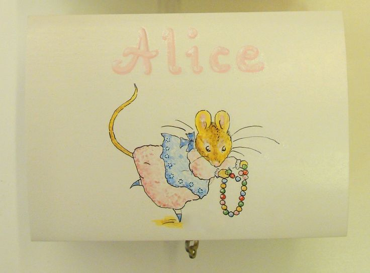 Small jewellery box with key. Handpainted motif and name. Christeningdate inside the lid.