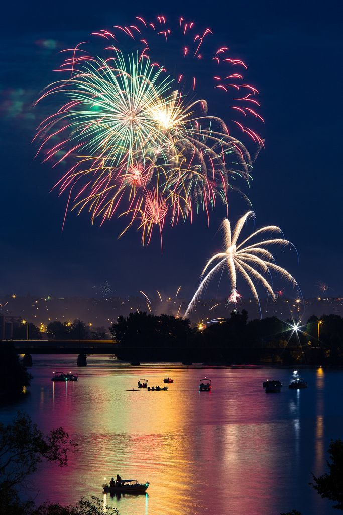4th of July Fireworks by Jeff Albrecht