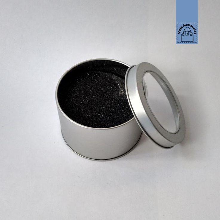 Caja metalica para reloj color plateado