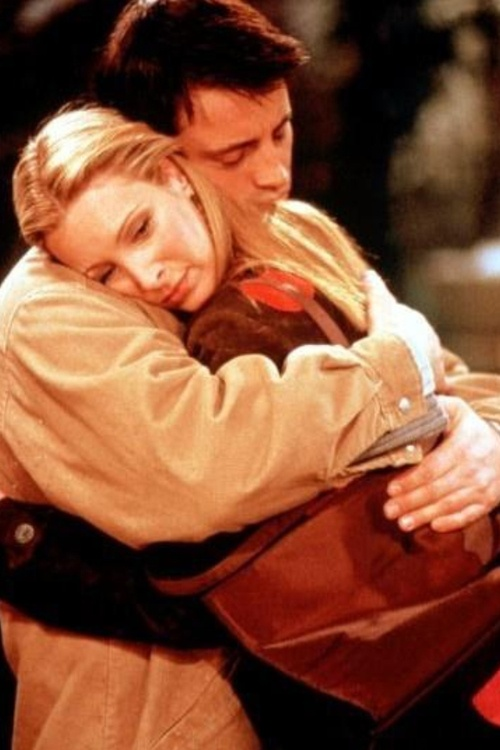 Phoebe is sad about David leaving again, such a sweet moment I always thought these two should be together. friends tv show | Tumblr
