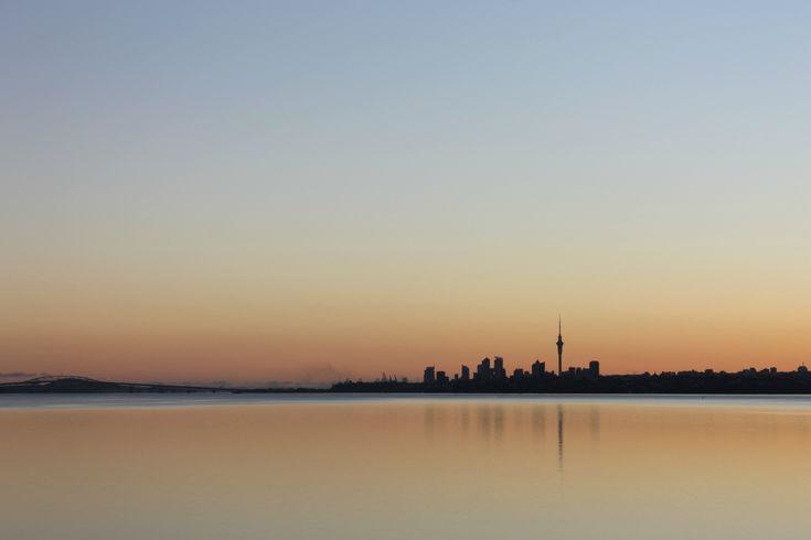 Auckland_morning_skyline.jpg 2,000×1,333 pixels