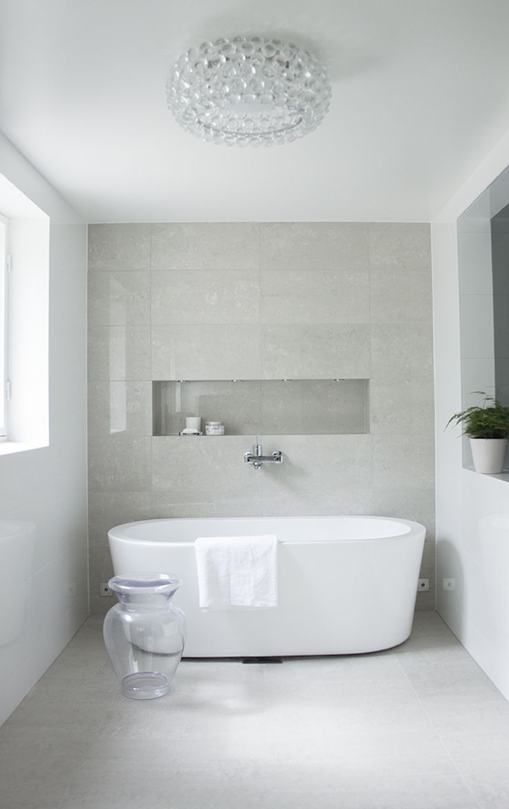 On this bathroom design, Kelly Hoppen added a glass vase that can be used as support piece during a relaxing bath. ➤To see more Luxury Bathroom ideas visit us at www.luxurybathrooms.eu #luxurybathrooms #homedecorideas #bathroomideas @BathroomsLuxury