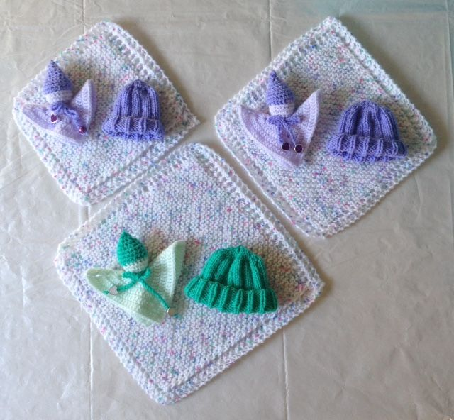 3 More sets: blanket, hat and little doll made for Stichting STILL