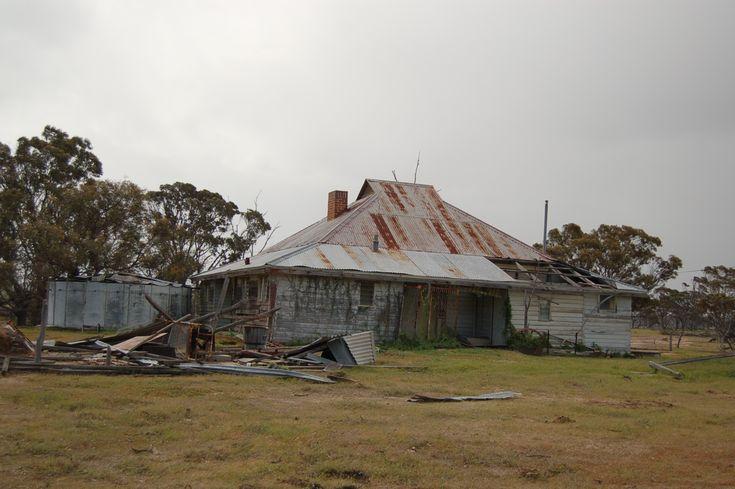 australian farm house | Metal Detecting an old Western Australian Farm House