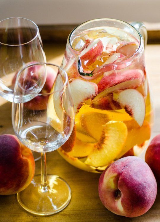 4-Ingredient Pitcher Drink Recipe: Sparkling White Peach Sangria — The 10-Minute Happy Hour