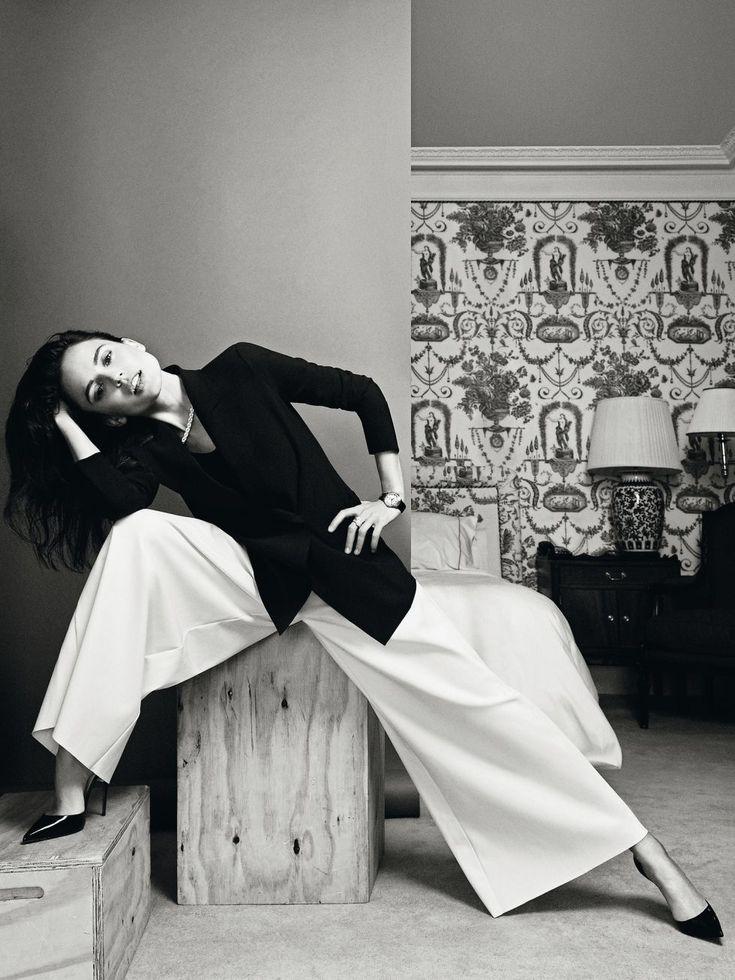 Elena Anaya in a Giorgio #Armani jacket and pants