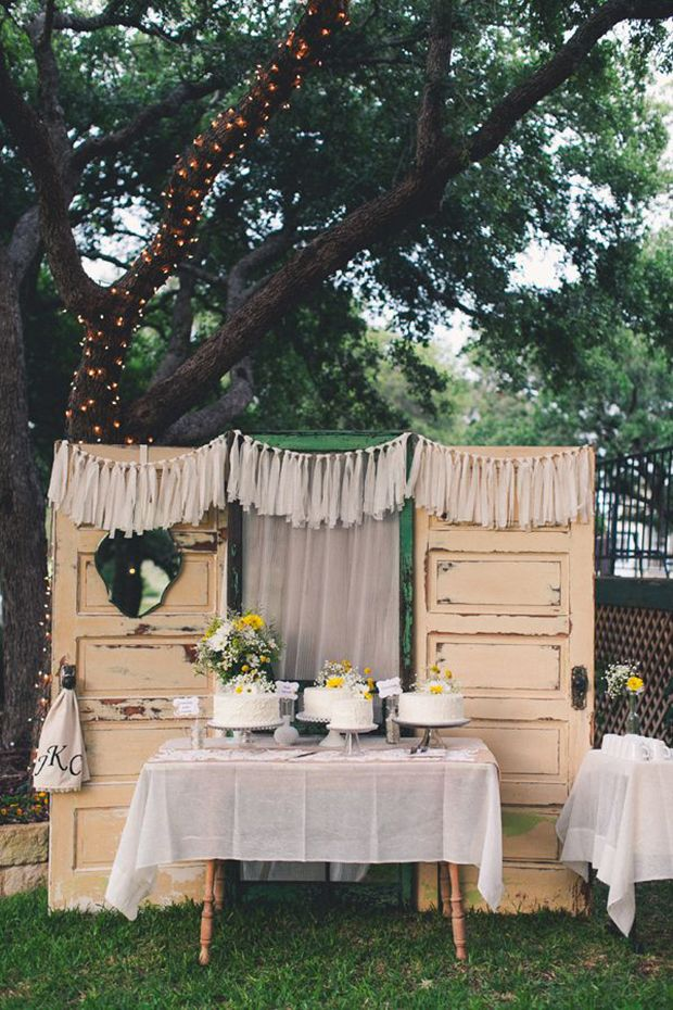 10 Fab Ways to Use Vintage or Re-purposed Doors at Your Wedding!