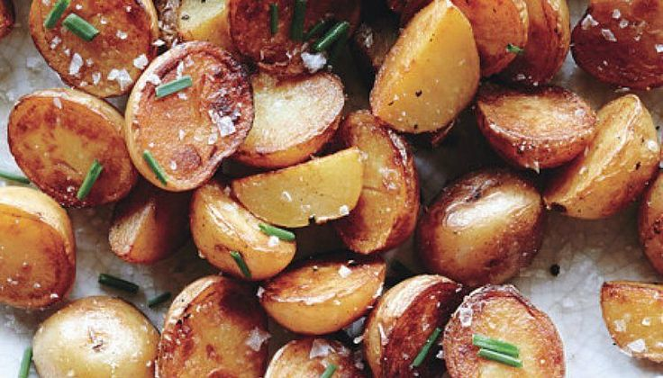 We all know that you can season potatoes on the outside with pretty much any seasoning we enjoy. But did you know that there's a way to season potatoes from within? Bon Appetit tells us that the secret weapon, believe it or not, is plain old white vinegar...