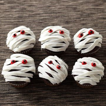 cupcakes: Halloween Parties, Cupcakes Ideas, Recipe, Halloween Cupcakes, Mummy Cupcakes, Flamingos, Halloween Treats, Cups Cakes, Cupcakes Rosa-Choqu