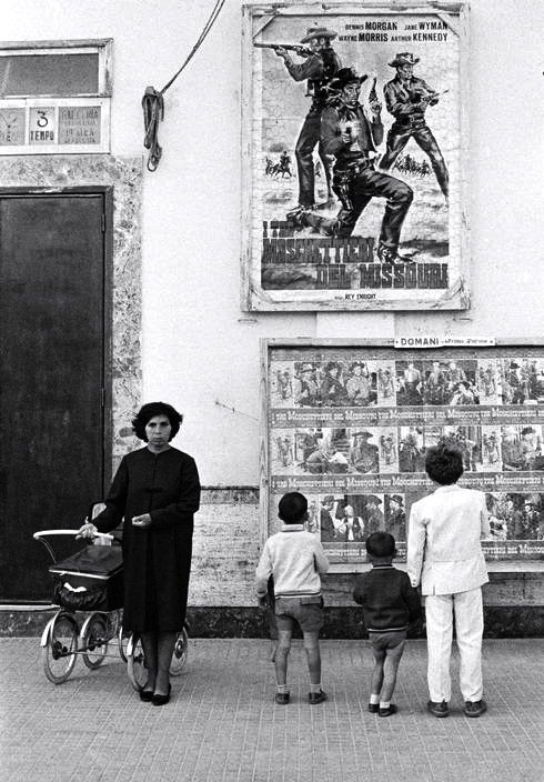 David Hurn - Brindisi, Italy 1964. S)