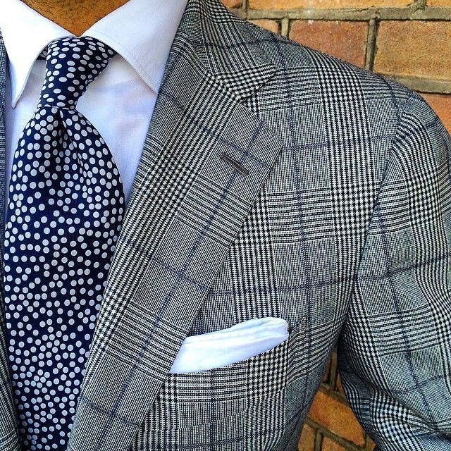 """@danielmeul from @pauwmannen wearing a Viola Milano ""Navy Multi dots"" untipped silk tie & handrolled ""White irish linen"" pocket square... Find it at Pauw…"""