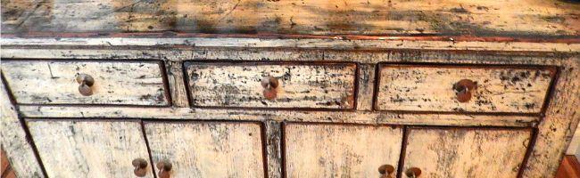 Highboard aus Massivholz: So sehen moderne Wohnzimmer aus! | Fashion Label & Lifestyle Magazin, schrank, desk, tisch, table, designer, design, unikat, holz, massivholz, mahagoni, farbe, art