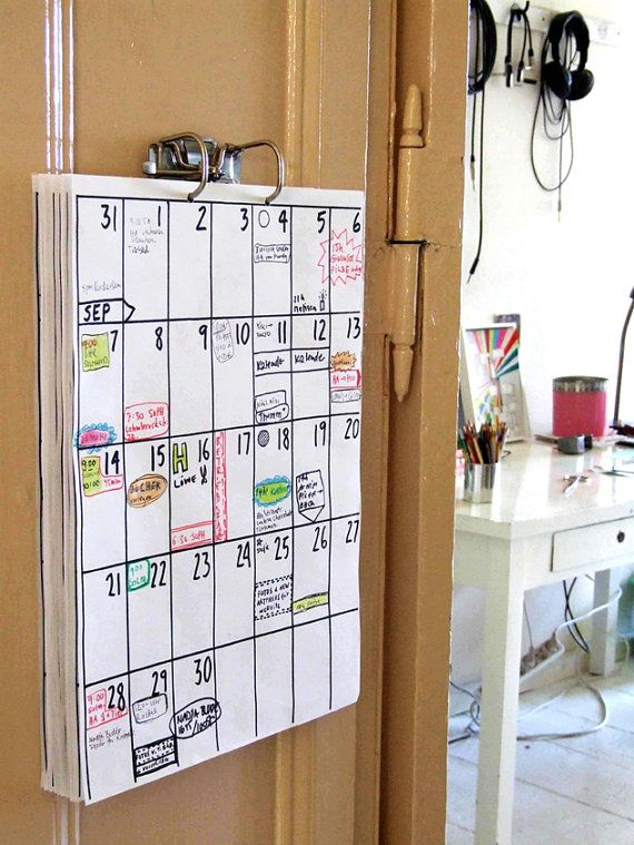 calendar by hippie projects  ★ 18 months in total ★ you can choose the starting month ★ features federal holidays ★ US and CAN calendars: each row (week) starts on Sunday ★ UK and AUS, FR, GER calendars: each row (week) starts on Monday ★ 11 x 17 / 30 x 42 cm ★ on 20 lb / 80g paper (copy paper) ★ metal binder clip included ★ and 2 nails for hanging ★ REFILLS are available in the Shop  Your calendar can start with any month you want until Oct 2017 - Mar 2019. When ordering you can ch...