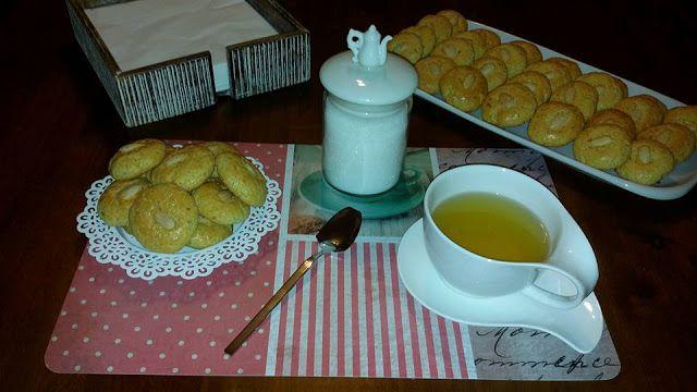 Pitadas De Açúcar...: Biscoitos De Laranja Com Amêndoa
