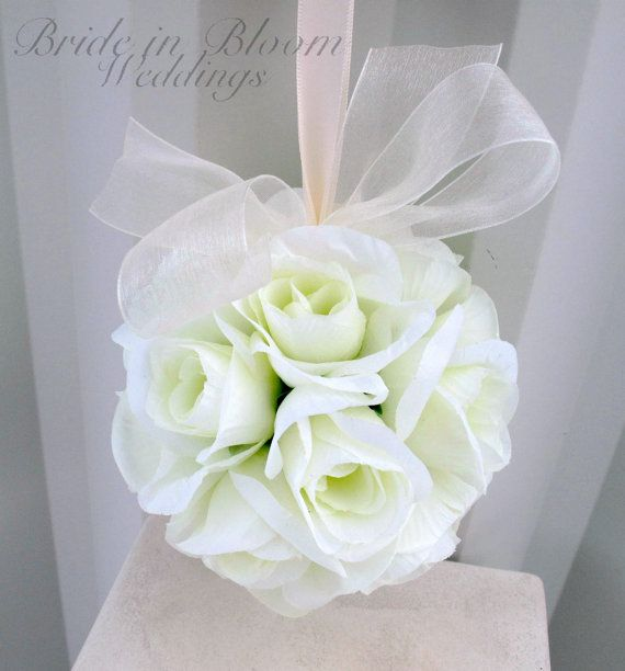 Decoraciones de la boda de flor bola por BrideinBloomWeddings