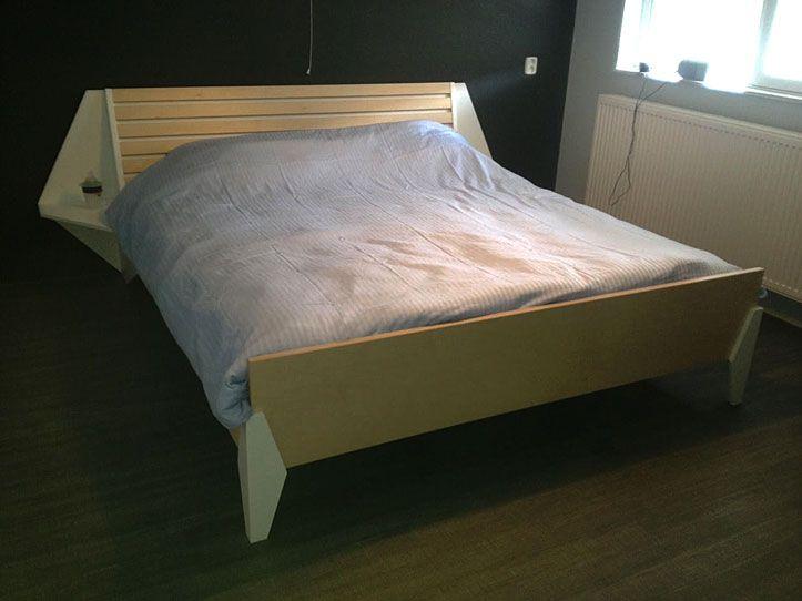 DIY double bed by Neo-eko | Handmade by Jan | Tweepersoonsbed Hayeda op maat gemaakt door Jan. Strakke uitvoering volgens het boekje. Ontwerp en handleiding Neo-eko