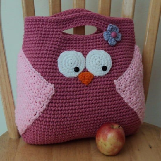 Whoooo loves owls? We sure do! And we think you'll fal in love with all the wonderful crochet owl pattern bags we've found too!