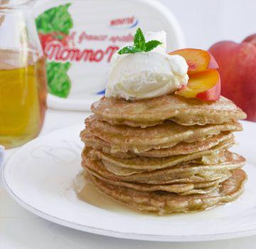 Pancake alle pesche e Fresco Spalmabile Nonno Nanni - Le ricette di Nonno Nanni - Ricette