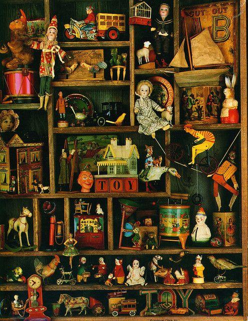 https://i.pinimg.com/736x/59/28/b5/5928b5fdaeb3c3e7cb2c8188f3e07c68--antique-toys-vintage-toys.jpg