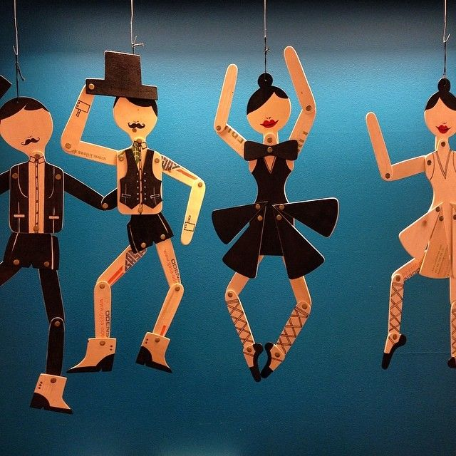 Dansa och var glad! Sprattelgubbe, olika varianter, av återvunnet material vilket gör varje objekt unikt. 665kr/st. #roombutiken #favoritpåroom