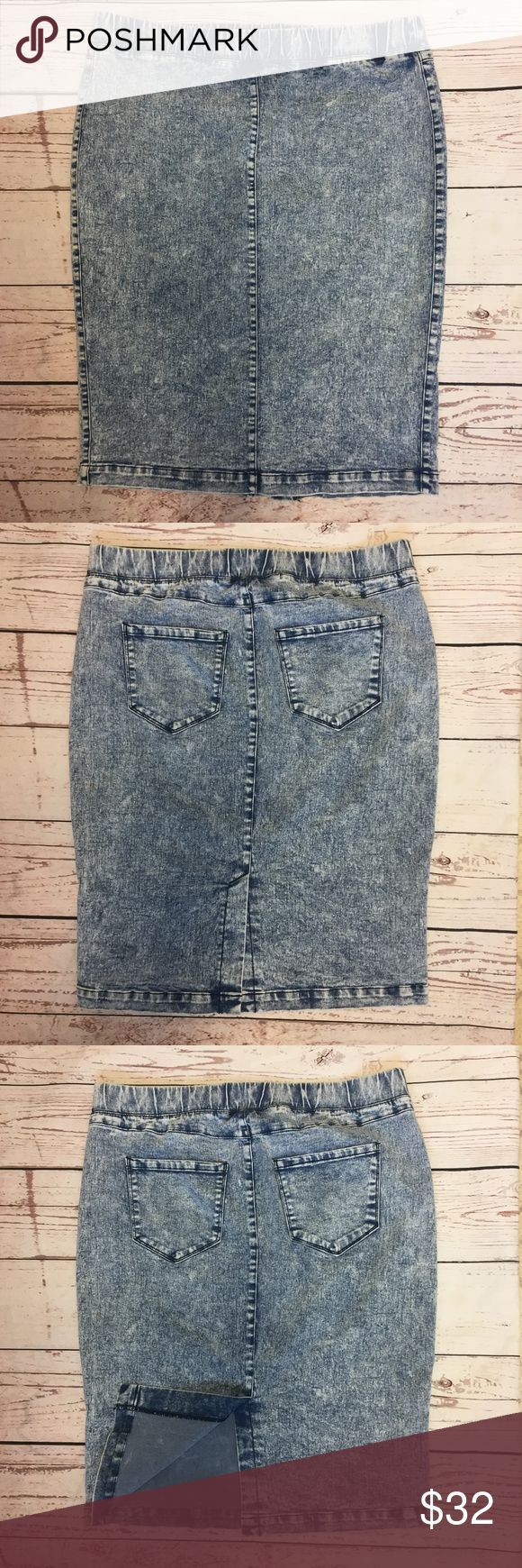 """-Boom Boom Jeans- Acid Wash Stretch Denim Skirt Great Acid Wash Denim Skirt by Boom Boom Jeans Size Extra Large 74% Cotton; 23% Polyester; 3% Spandex Machine Wash Waist: 34"""" Hip: 40"""" Total Length: 24"""" Condition: Gently used condition; no stains, holes or tears Please review pictures for product details.  Thank you for looking! Boom Boom Jeans Skirts Pencil"""