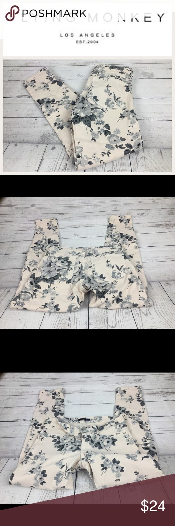 """Flying Monkey Black & White Floral Jeans.  Sz 3 Flying Monkey Black & White Floral Jeans.  Sz 3. Waist 13"""". Inseam 25"""". Rise 6.5"""". In good shape.  Cropped Ankle. Flying Monkey Jeans Ankle & Cropped"""