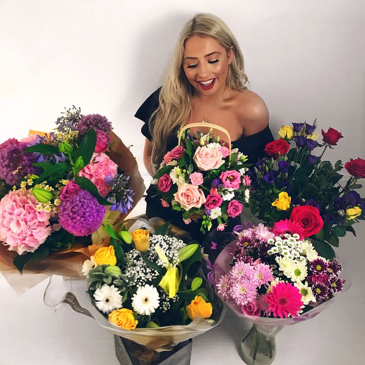"""50k Likes, 343 Comments - Saffronbarker (@saffronbarker) on Instagram: """"So blessed. I officially have the best friends & family !! Look at all these beautiful flowers I've…"""""""