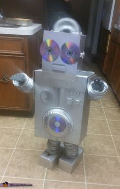 Emma: I made this robot costume for my 3 year old Jack. I got so many compliments on it because it was home-made and creative, so I thought I'd submit it...