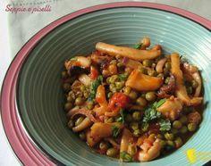 Seppie e piselli, ricetta tradizionale. Come preparare le seppie con i piselli in umido, in bianco o col pomodoro, che rimangono tenere e saporite