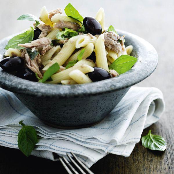 Pasta med tun og oliven