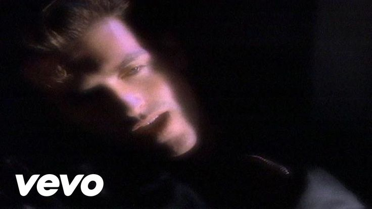 George Michael's official music video for 'Freedom! '90'. Click to listen to George Michael on Spotify: http://smarturl.it/GeorgeMichaelSpotify?IQid=GMFree A...