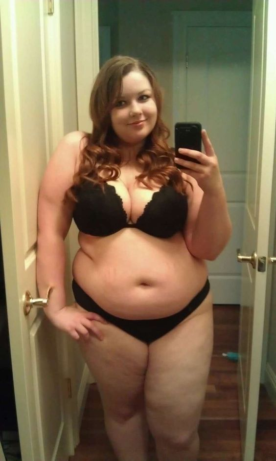 naked fat teen self pic