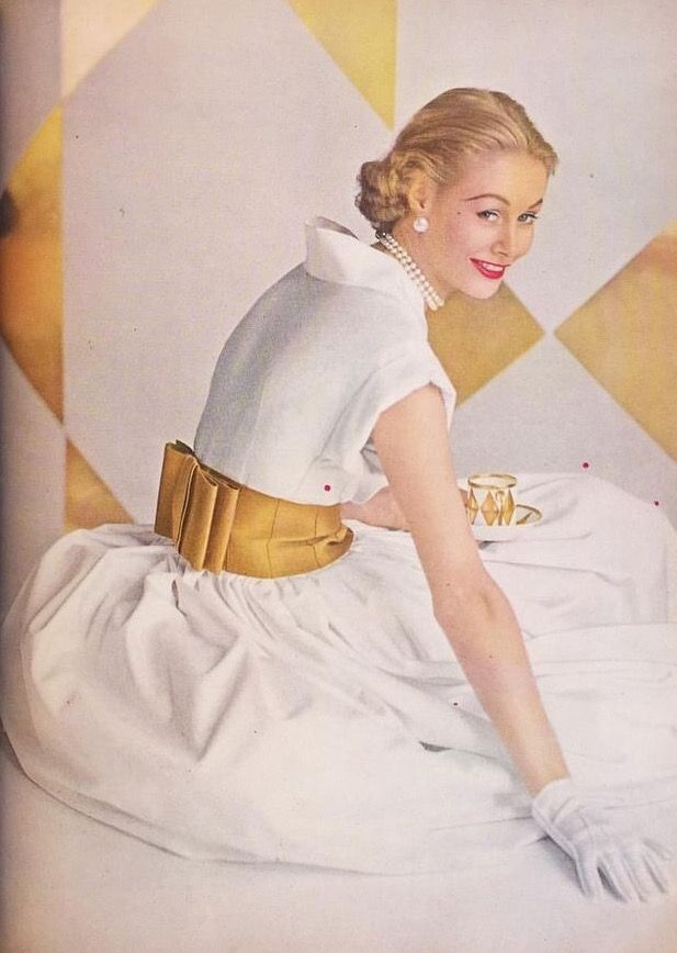 Nina de Voogt, photo by Richard Rutledge, Glamour January 1952 | julen_m_a