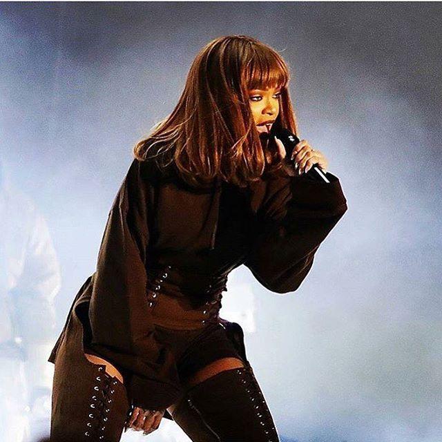 Pin on Rihanna