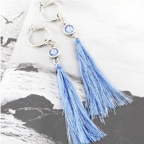 DIY oorbellen | Draag tip: Oorbellen met hangers draag je met los of half los haar, doe je je haar in een staart of een knot, draag dan knopjes!