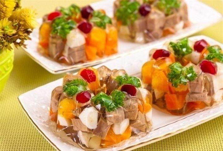 Pripravte si na sviatočný stôl, mäso so zeleninou v sklennom obale, ktoré už na pohľad vyzerá veľkolepo. – Báječný domov