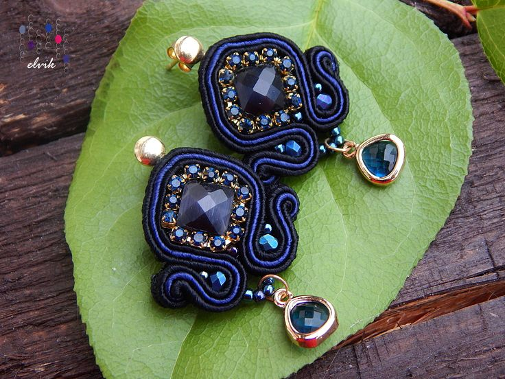 Vesperon earrings