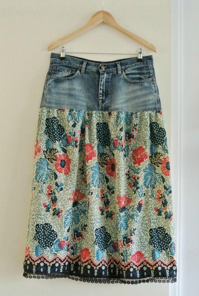 Wat te doen met een oude jeans? Simpel: maak er een rok van! Met volledige werkomschrijving