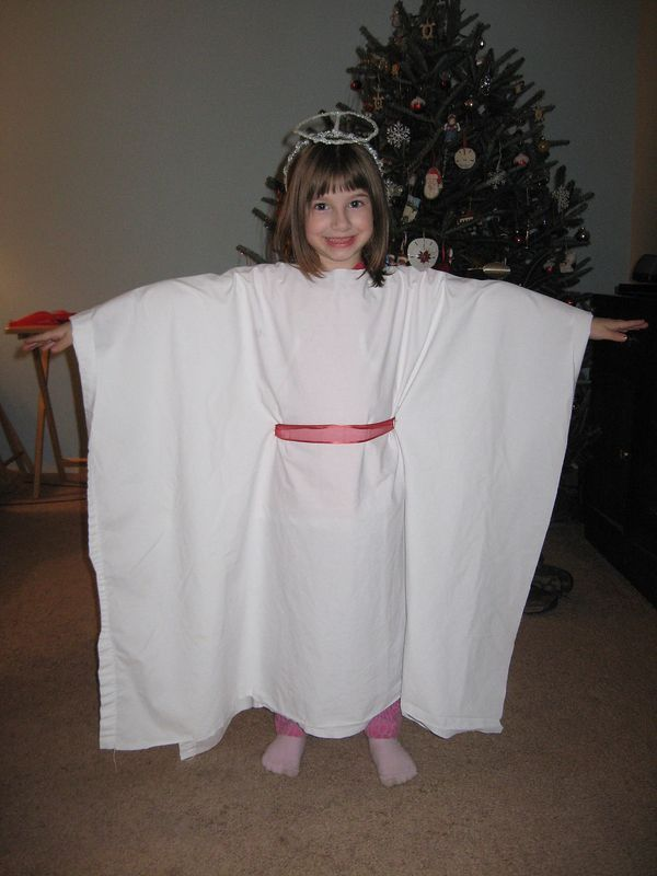 Pic only, no link. Angel costume from sheet with no sewing.