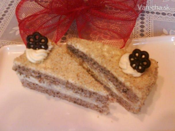 Orechový trojuholníkovy rez s vanilkovým krémom (fotorecept) - Recept