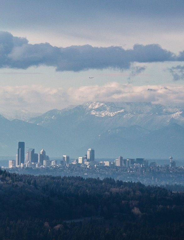 Taken yesterday on the Issaquah Ridge. : Seattle